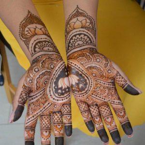 Bruidshenna-handen-7-1-681x1024-logo