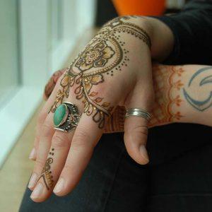 Henna-Designs-15-logo
