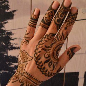 Henna-Designs-19-681x1024-logo