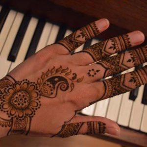 Henna-Designs-9-logo
